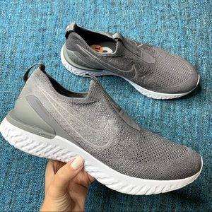 Nike Epic Phantom React Flyknit Sneaker Gunsmoke